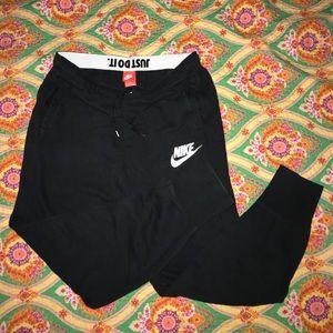 Nike Black jogger sweatpants size large